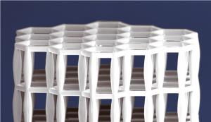 바우어 박사팀은 공기주머니가 규칙적으로 배열된 고분자 복합체를 고성능 3D프린터를 이용해 만들었다. - 카를스루에 공대 제공